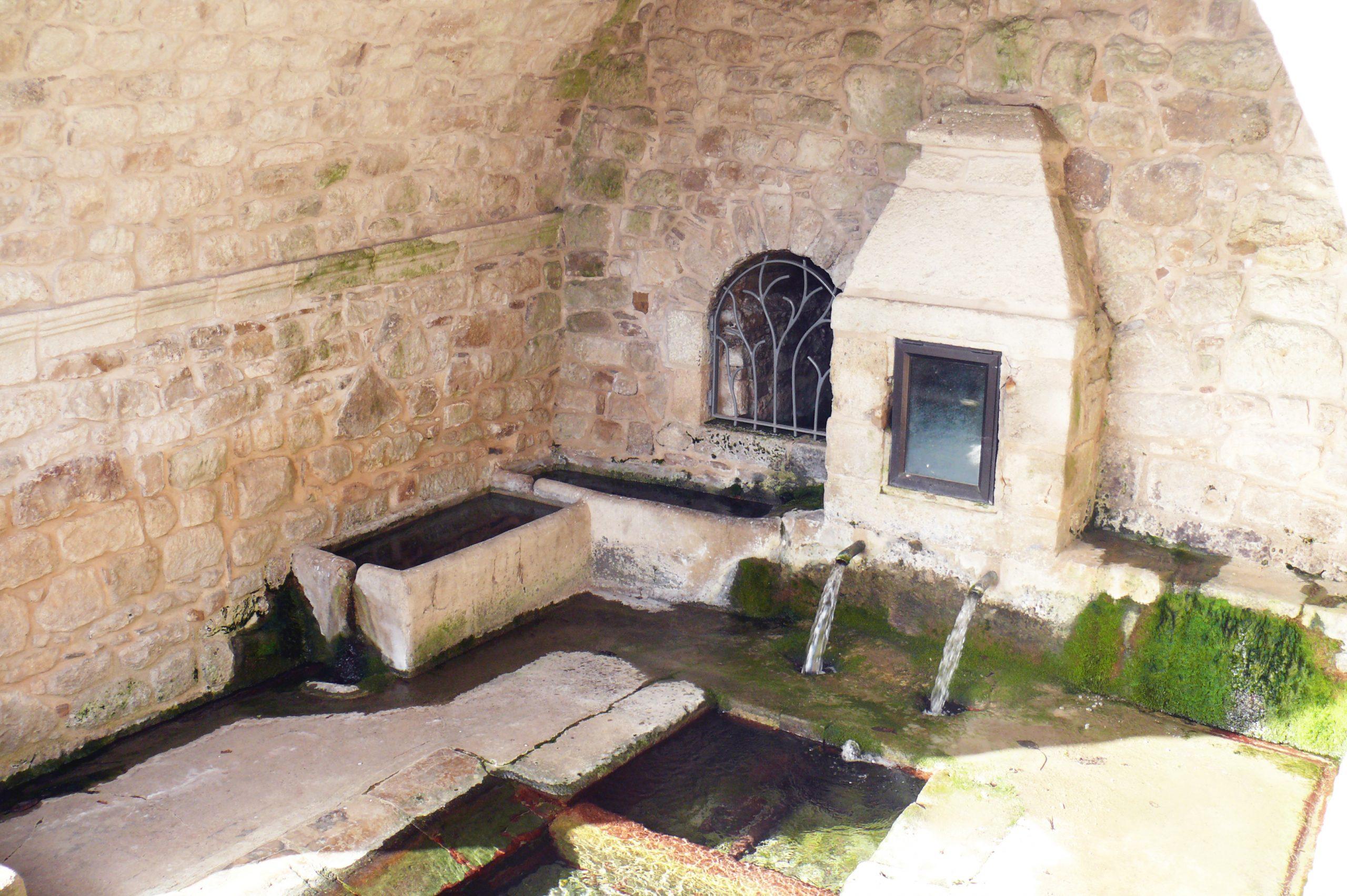 Saint Léons fontaine de Ste Castissime