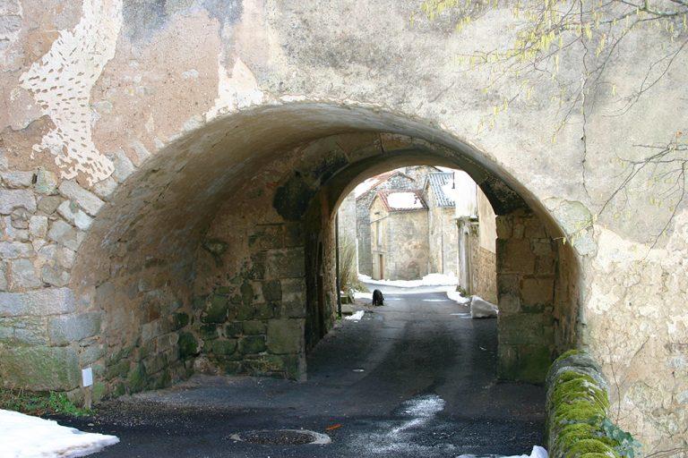 Saint Léons rue du porche